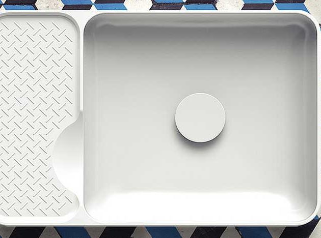 Laufen SaphirKeramik: невесомые аксессуары для ванной комнаты