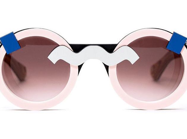 Nina Mûr: очки в честь Этторе Соттсасса