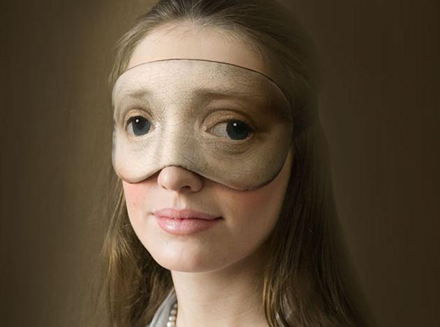 Лёша Лимонов и маска для голландского музея