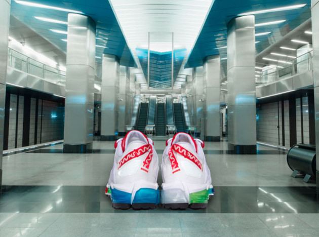 Артемий Лебедев сделал кроссовки с айдентикой московского метро