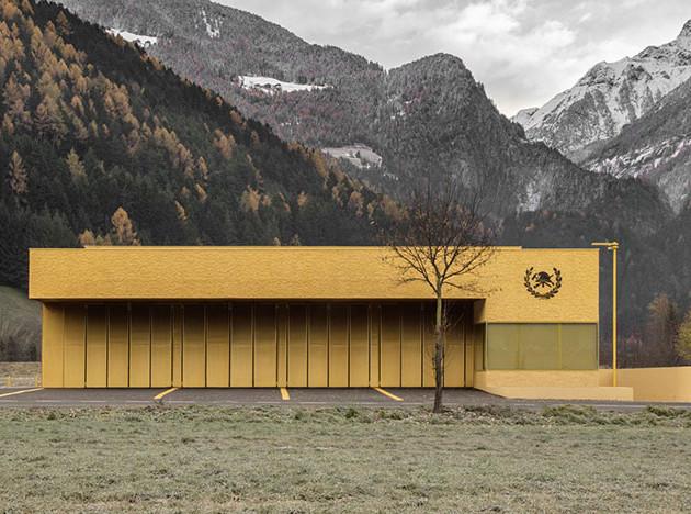 Pedevilla Architects: желтый дом для пожарных