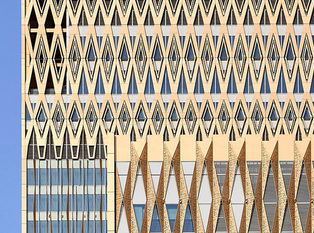 Gensler: отель и офис в золотых башнях