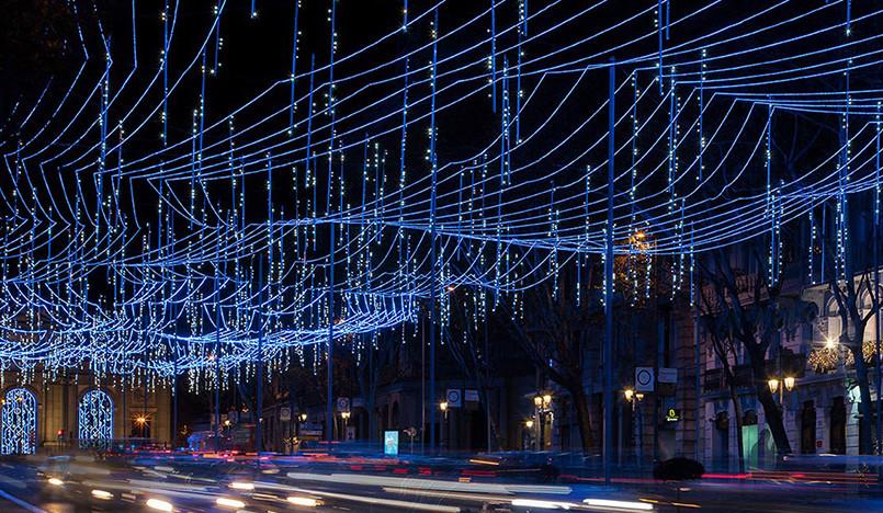Brut Deluxe: световая инсталляция в Мадриде