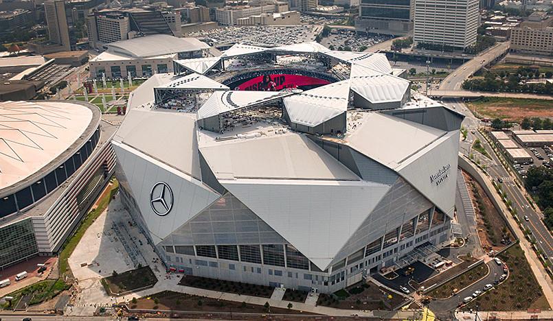 Cтадион в Атланте: крыша-трансформер для футболистов