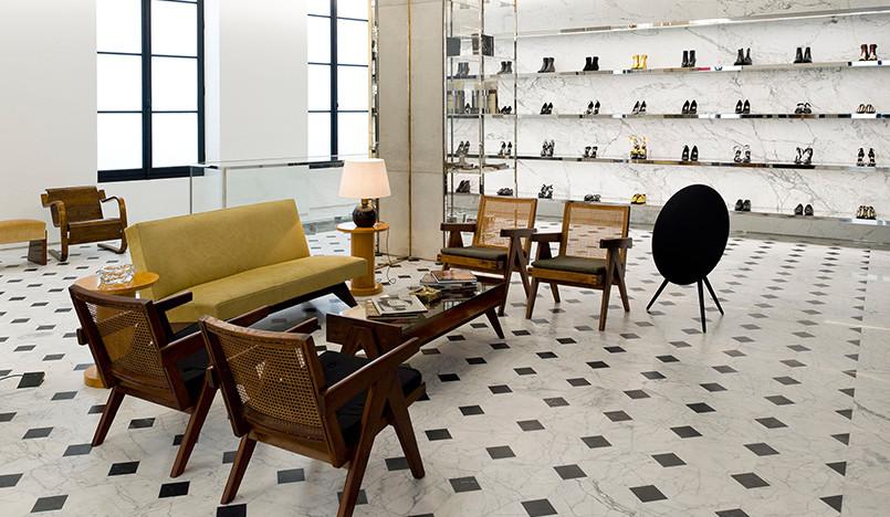 Saint Laurent: модный бутик вне рамок моды