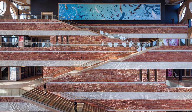 Первый архитектурный проект Айрис ван Херпен