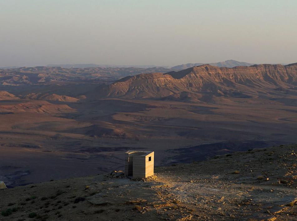 Gitai Architects: земляной павильон в пустыне Негев