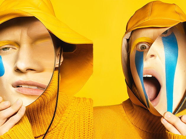 Стивен Майзел снял кампанию для Loewe в стиле эмодзи