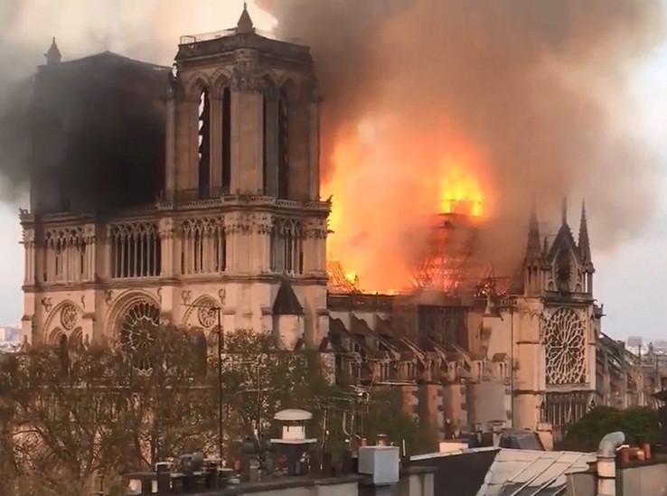 Cобор Парижской Богоматери: 10 фактов о здании и его пожаре