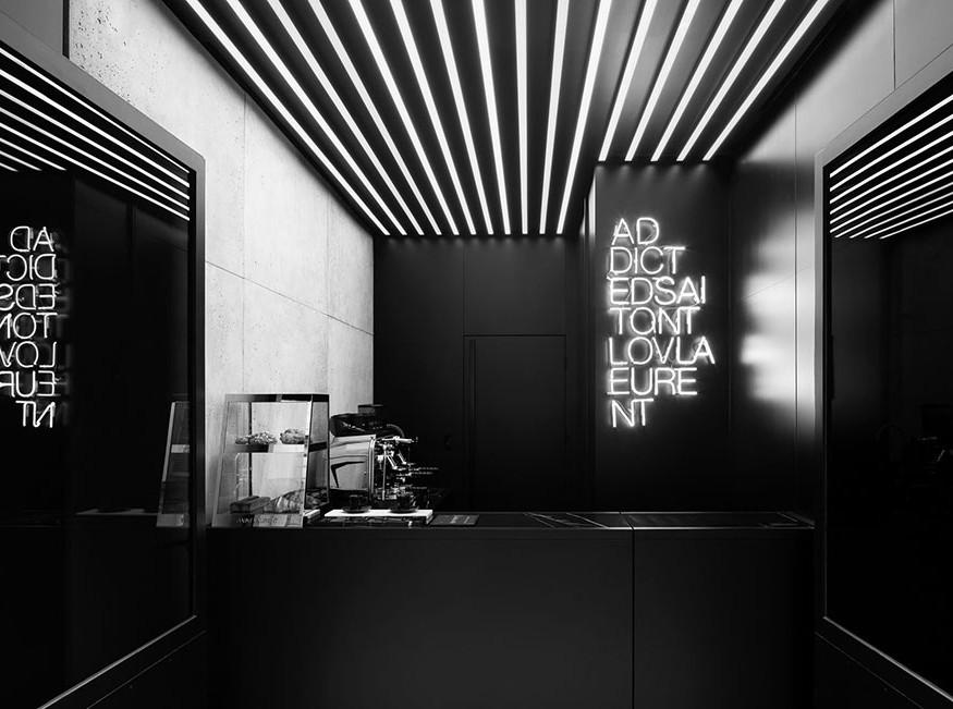 Дом Saint Laurent открыл свою первую кофейню