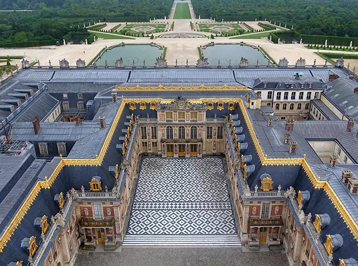 Google предлагает бесплатный VR-тур в Версаль