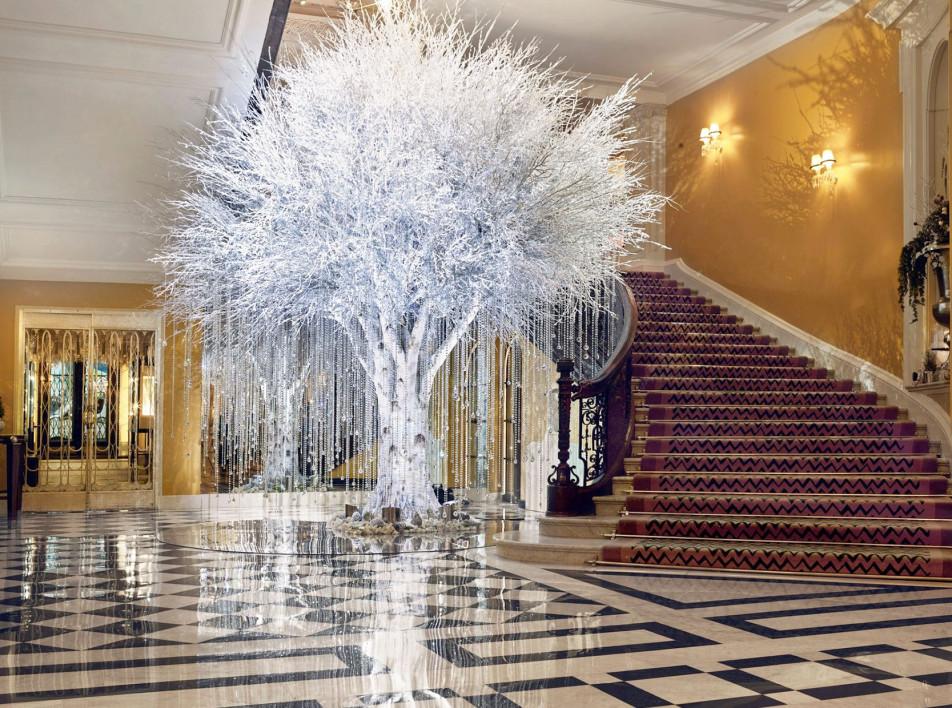 Рождественская елка в отеле Claridge's