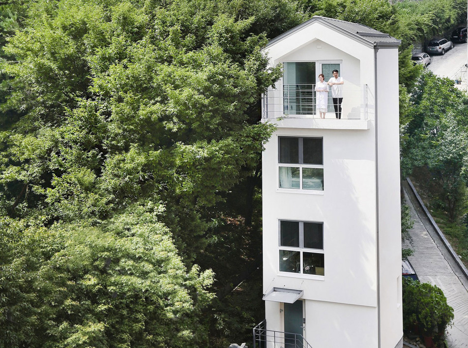 Smaller Architects: вертикальный микро-дом в Сеуле