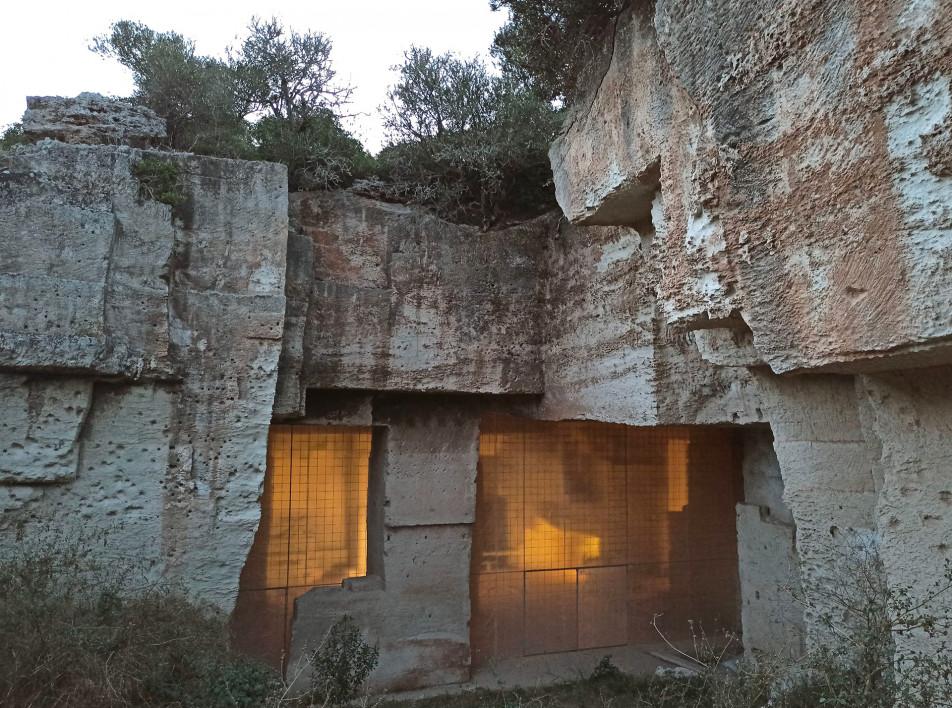 Ensamble Studio: дом внутри бывшего карьера