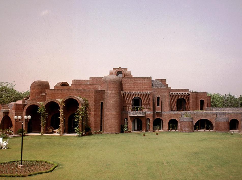 Посольство Бельгии в Нью-Дели по проекту Сатиша Гуджрала
