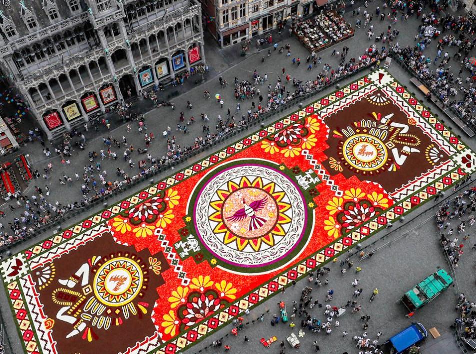 Цветочный ковер в Брюсселе на видео Йорга Дайбера
