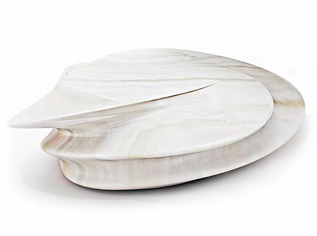 Zaha Hadid Design: кофейные столики из оникса