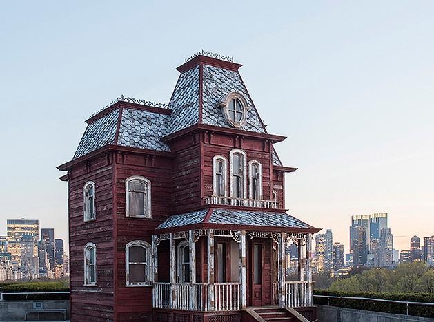 Корнелия Паркер: дом Хичкока на крыше в Нью-Йорке
