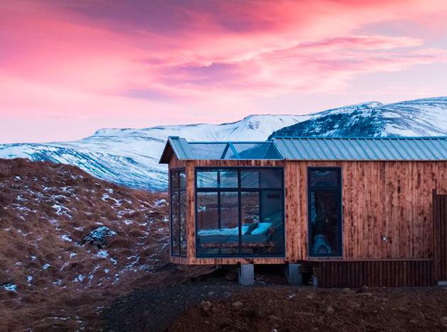 Panorama Glass Lodge: отдых с северным сиянием