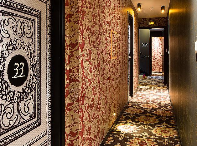 Комнаты от Кристиана Лакруа в Hôtel Antoine