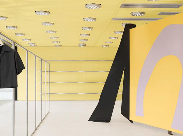 Geoff Crowther Architects: цвет и дизайн в бутике Acne Studios