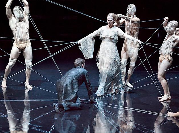 Айрис ван Херпен: костюмы для оперы Дебюсси
