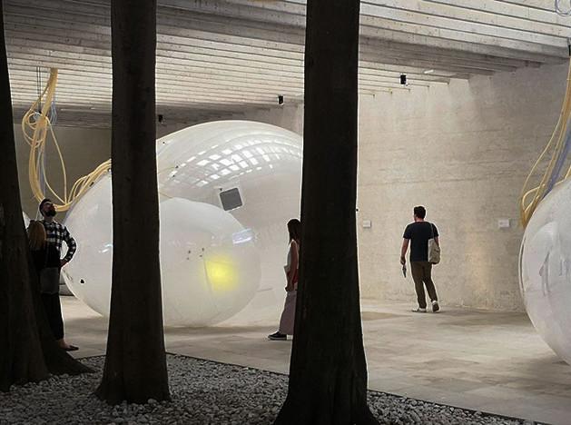 Венецианская биеннале: секс и экология