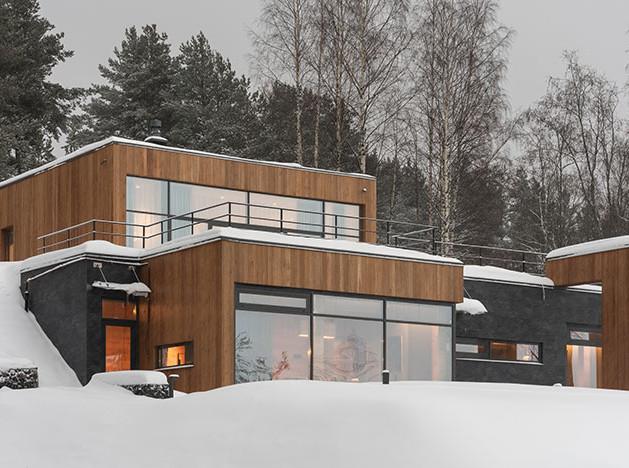 Александр Мочалов: загородный дом со сложным ландшафтом