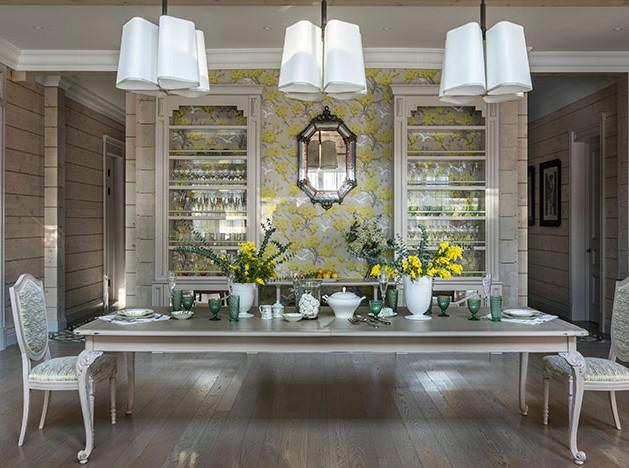 Art Spice Studio: деревянный дом с ярким декором