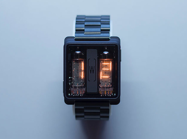 Александр Волочаев: часы с вакуумными индикаторами