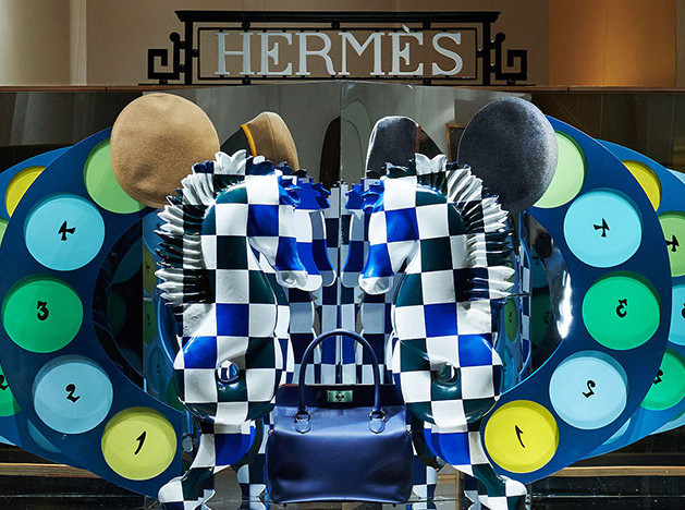 Hermès обновил московские витрины