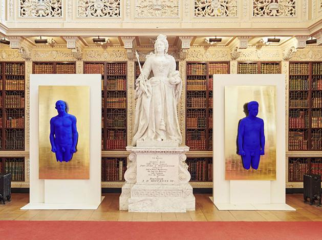 Иву Кляйну — 90! Синий во дворце герцогов Мальборо