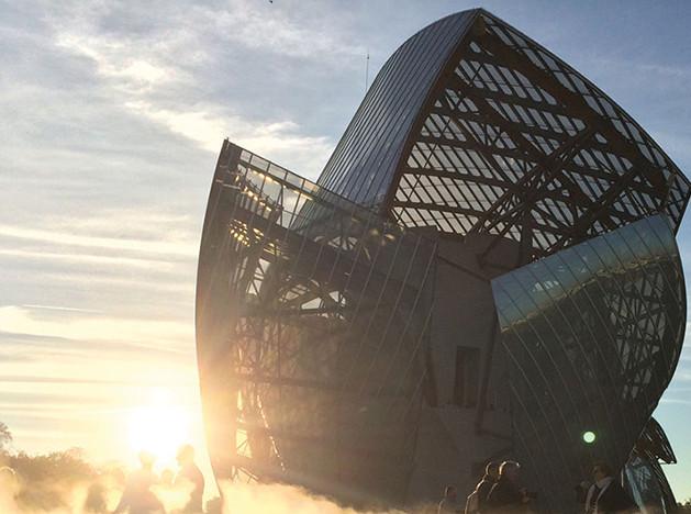 Fondation Louis Vuitton: 7 лучших фотографий постройки Фрэнка Гери