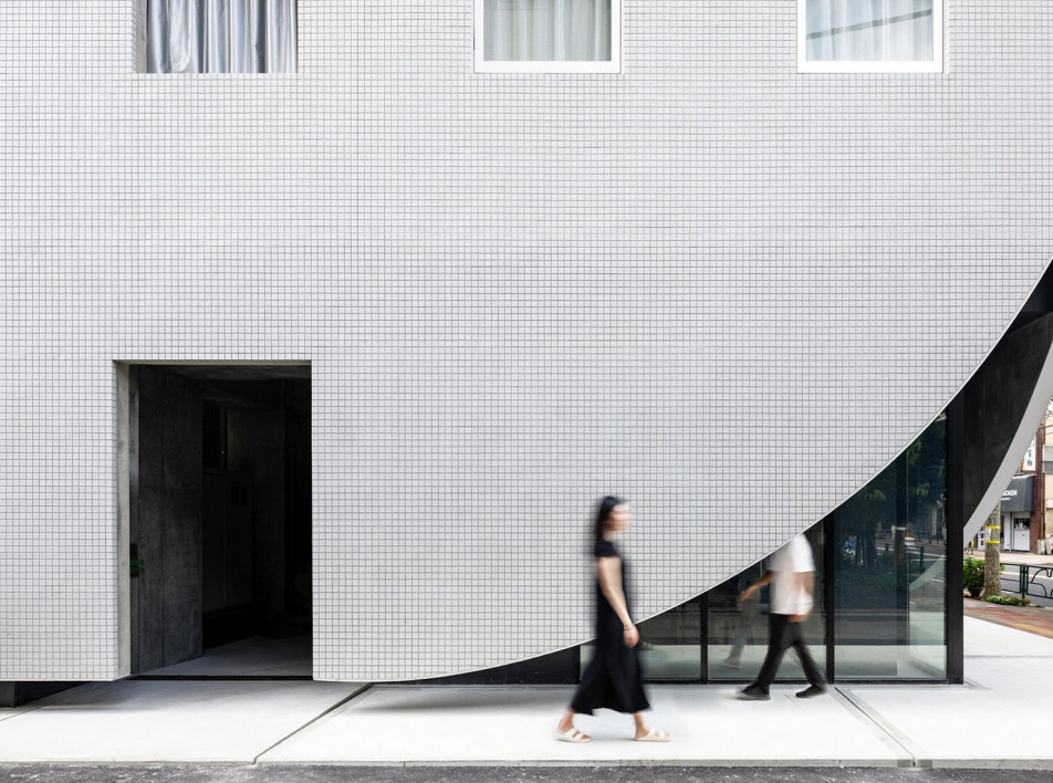 YSLA Architects: отель в Токио, превращенный в жилой дом