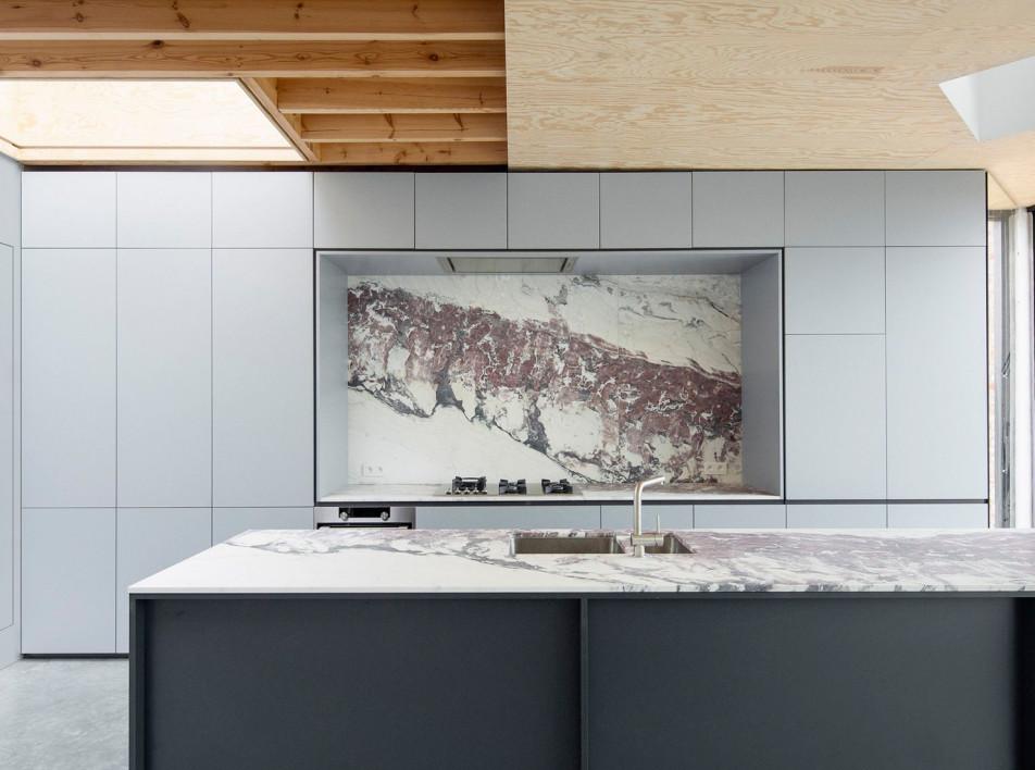 Узкий дом в Бельгии: проект i.s.m.architecten
