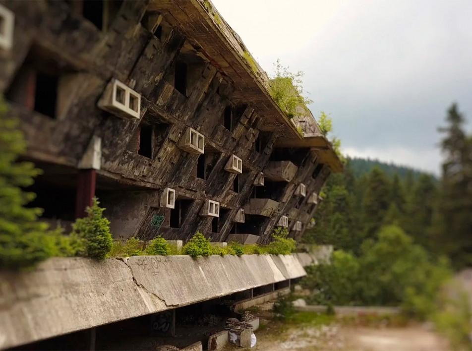 Фильм о заброшенной Олимпийской деревне в Сараево