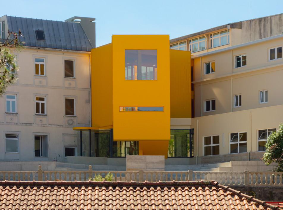 Музыкальная школа по проекту Aurora Arquitectos