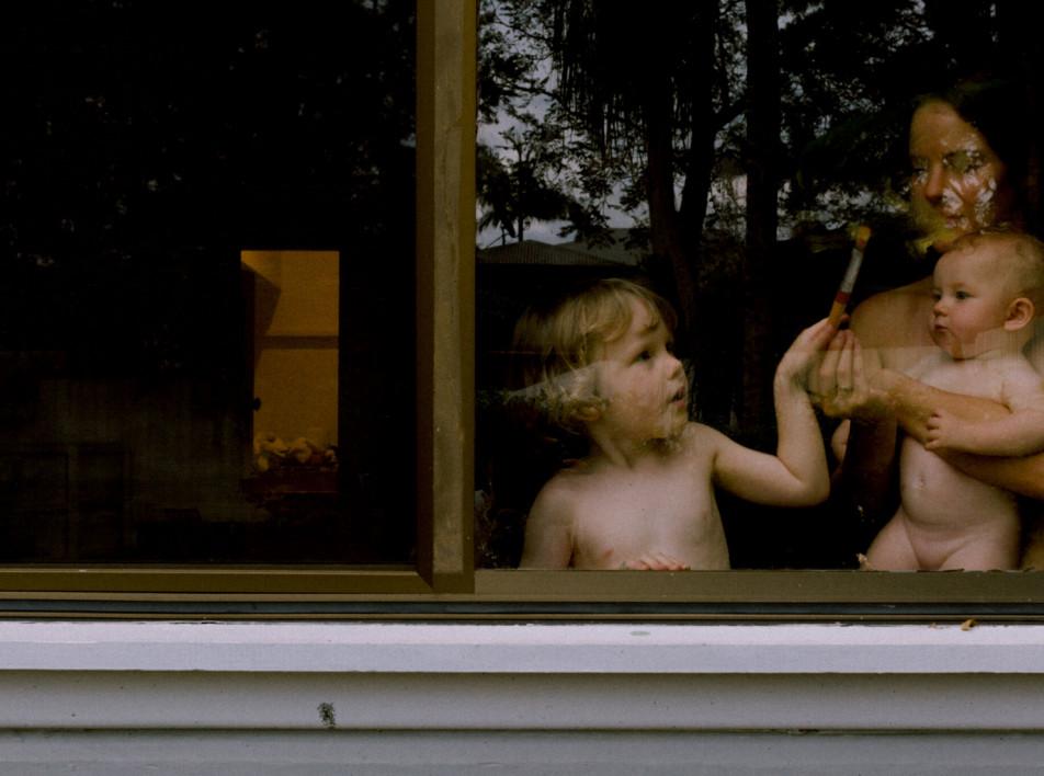 Матери и дети в самоизоляции. Фотопроект Лизы Сорджини