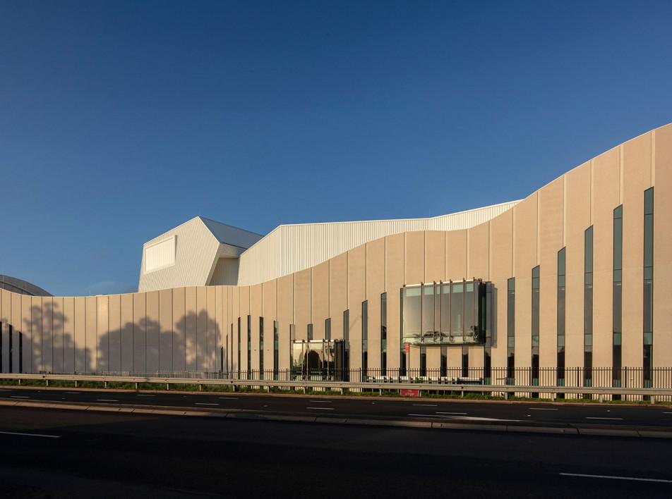 Театр в Сиднее по проекту COX Architecture