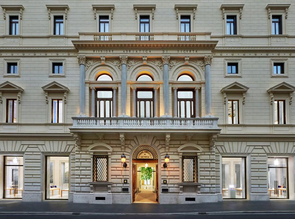 Foster + Partners: бутик Apple в римском палаццо