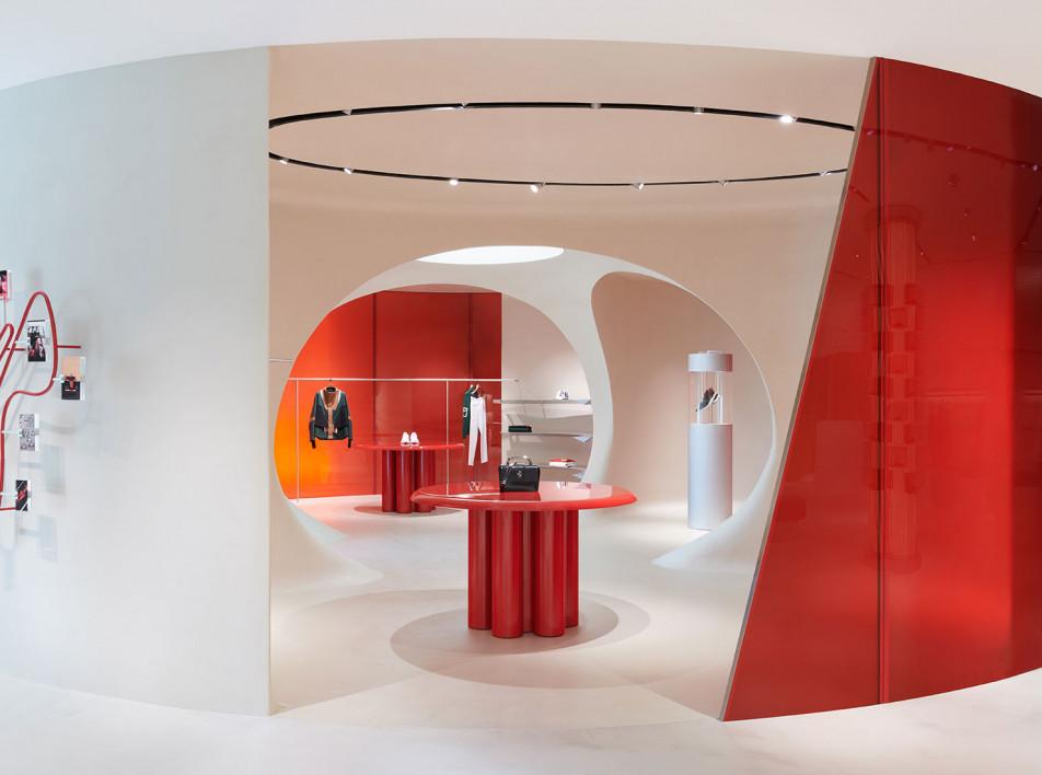 Ferrari: флагманский бутик в Маранелло