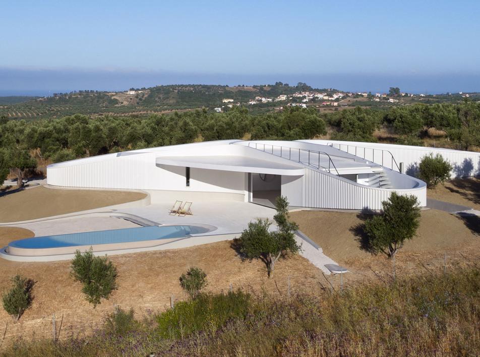 LASSA Architects: дом для коллекционеров в Греции