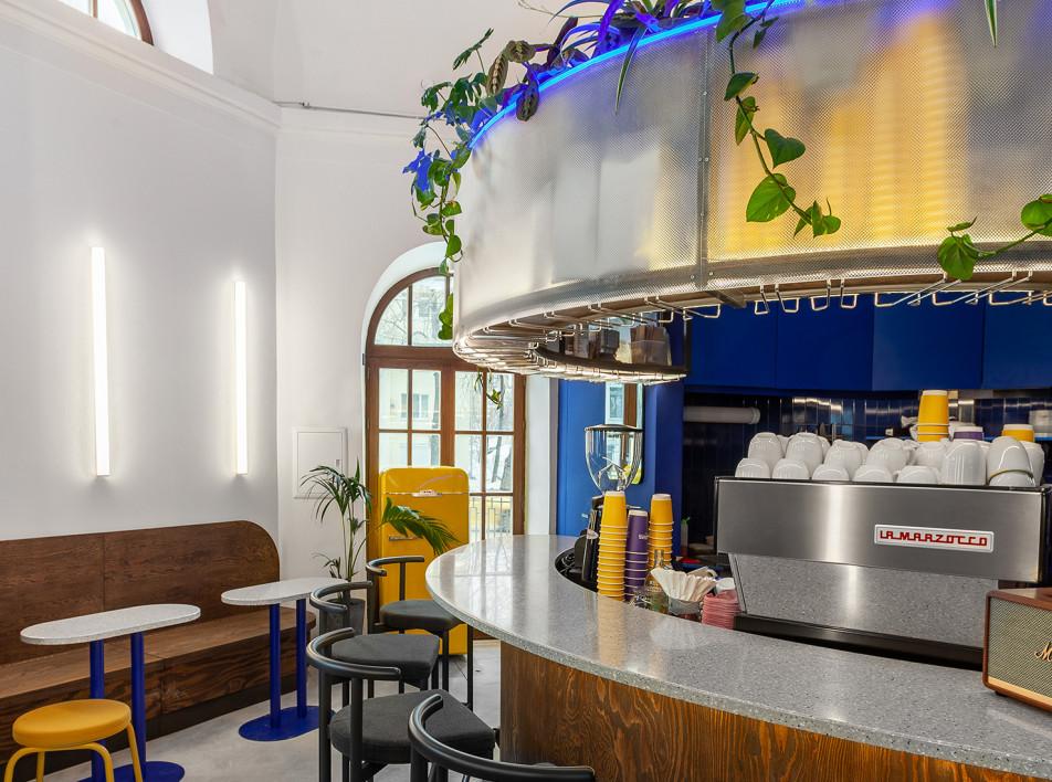 Павел Неснов: московская кофейня в историческом павильоне