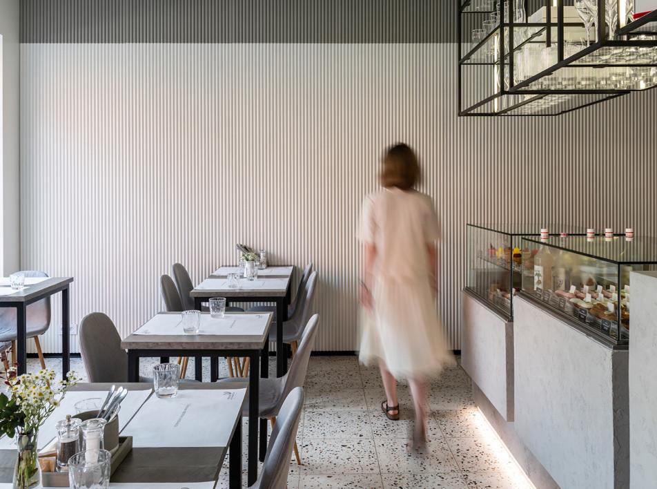 Контрастное кафе-кондитерская по проекту ub.design