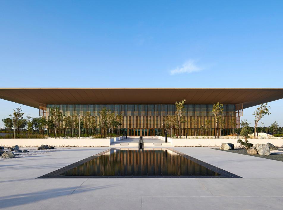 Foster + Partners:  библиотека и культурный центр в Шардже