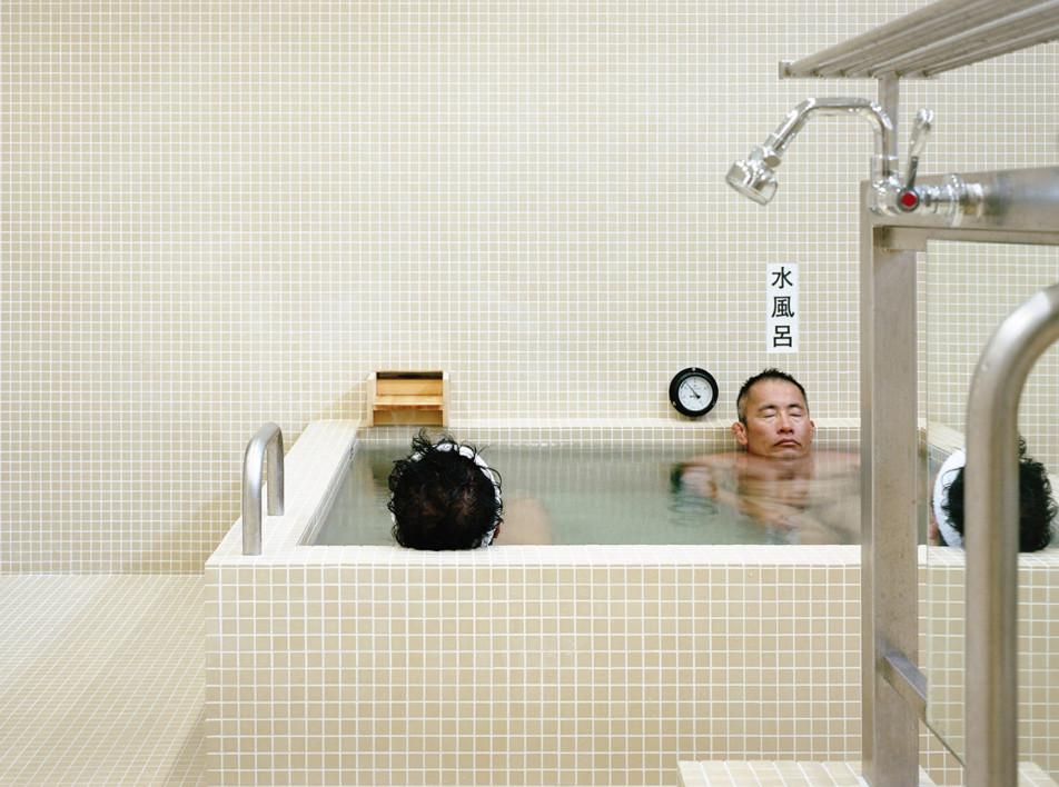 Schemata Architects: реконструкция бань в Токио