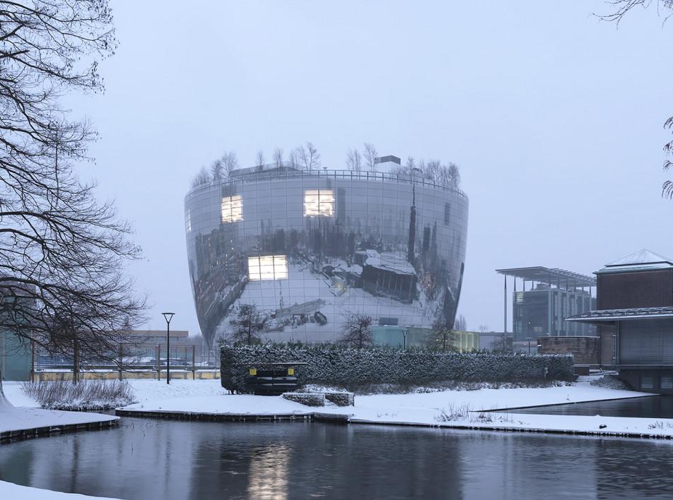 Снежные фотографии музейного хранилища в Роттердаме