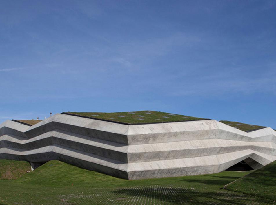 Giorgi Khmaladze Architects: кофейная фабрика в Тбилиси