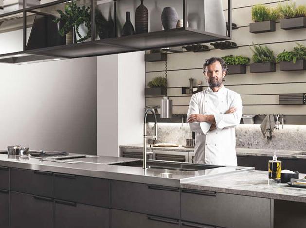 Шеф-повар Карло Кракко сделал кухню для Scavolini