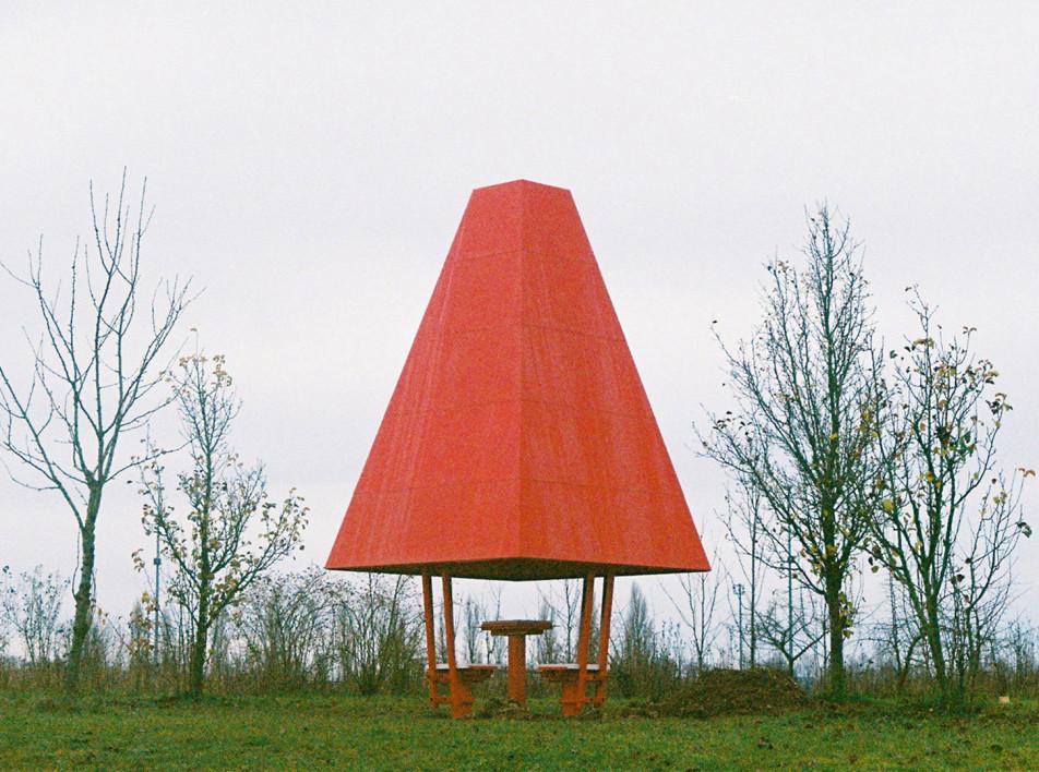 Шахматный павильон во французском парке